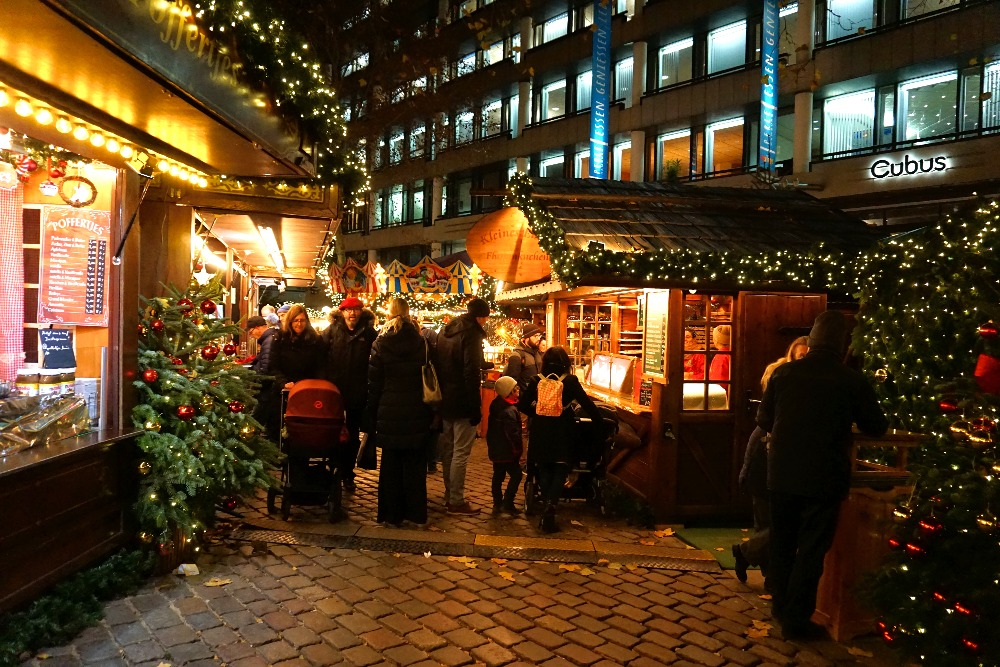 The cosy Christmas market on Gerhart Hauptmann Platz.