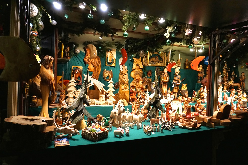 Expect to see traditional handcrafted products at the historic Christmas market on Rathausmarktplatz.