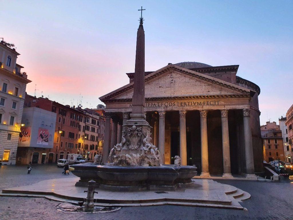 Sunrise over the Pantheon.
