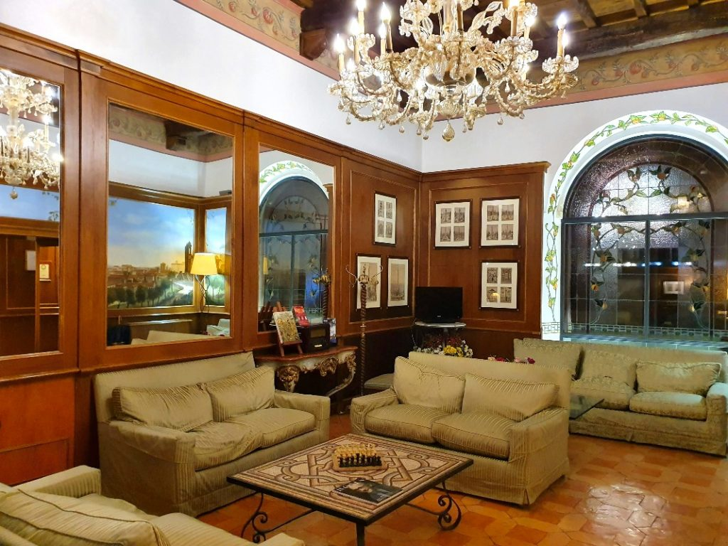 The lounge at Hotel Pantheon.